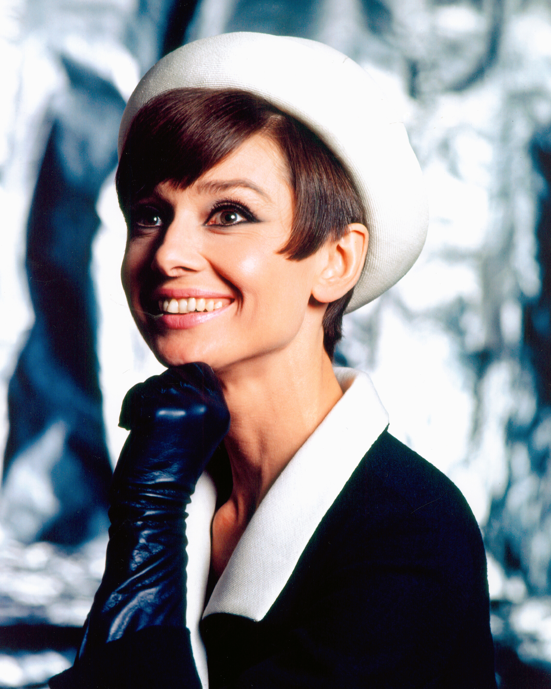 Audrey Hepburn And Givenchy Silver Screen Modes By Christian Esquevin