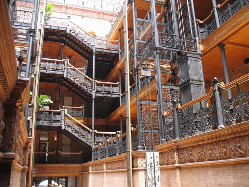 Blade runner 800px-Bradbury_Building,_interior,_ironwork
