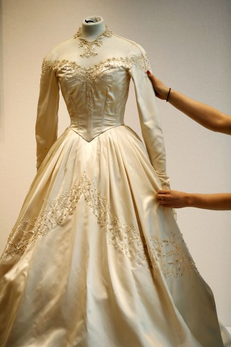 Elizabeth Taylor's Wedding Dress For Sale