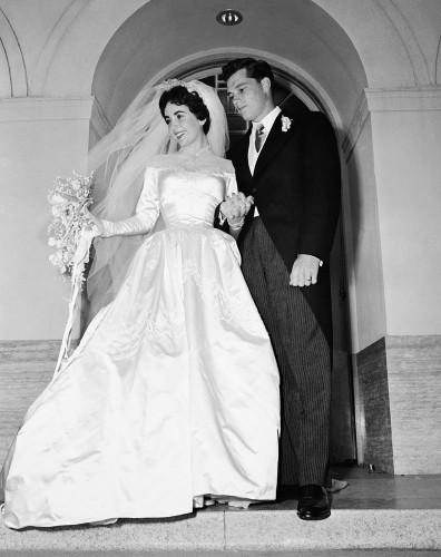 elizabeth-taylor wedding gown