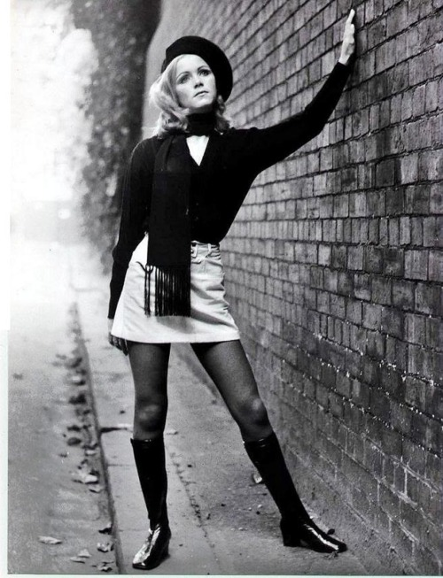 Mary quant mini skirt
