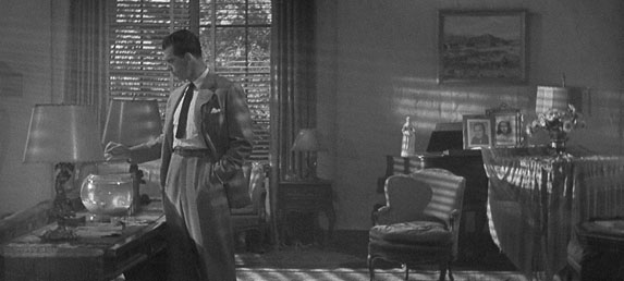 DOUBLE INDEMNITY: THE FILM NOIR CLASSIC – Silver Screen Modes by Christian Esquevin